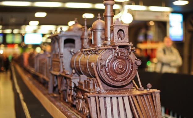 רכבת השוקולד הגדולה בעולם - מלפנים (צילום: צילום מסך מהאתר http://www.huffingtonpost.com)