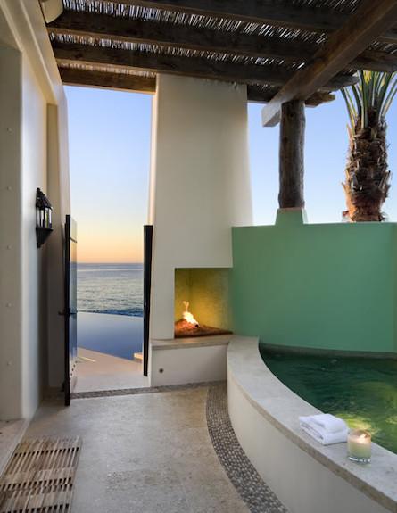 אמבטיה בחוץ (צילום: מתוך האתר www.ikba.com)