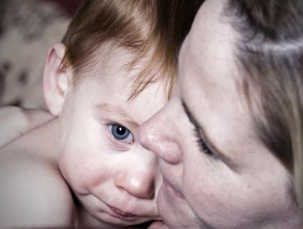 אם ותינוק אילוסטרציה