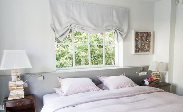 מנורת לילה בחדר שינה (צילום: ליאור קסון)