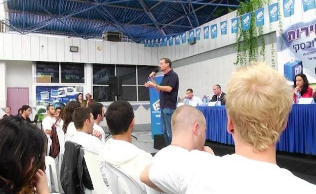 הבוחרים החדשים – אורט סינגאלובסקי (תמונת AVI: mako)