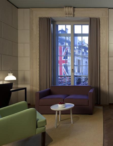 חדר רחצה במלון (צילום: hotelcaferoyal.com)