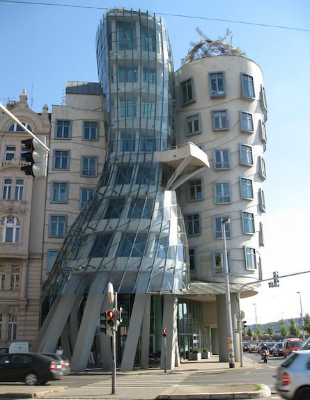 הבניין הרוקד (צילום: מתוך flickr.com)