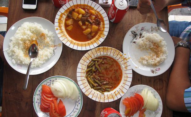 אוכל טורקי בנווה שאנן (וידאו WMV: דנה לב לבנת)