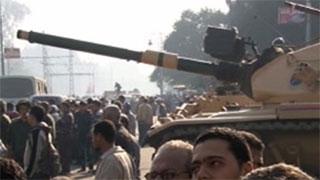 טנקים ברחובות קהיר, בשבוע שעבר (צילום: חדשות 2)