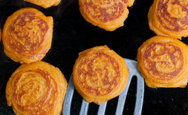 לביבות בטטה אורנה ואלה - מטגנים (צילום: בני גם זו לטובה, אוכל טוב)