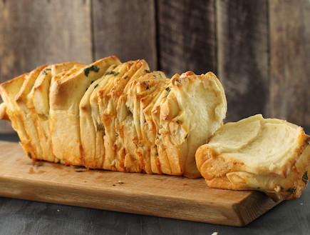 לחם גבינות ושום נתלש - תלוש