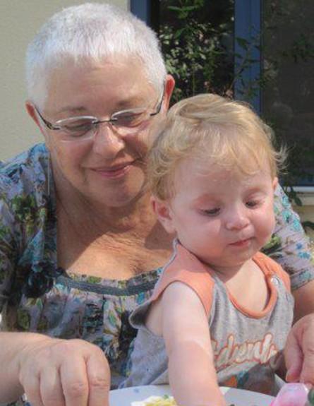 נבו אלמליח וסבתא