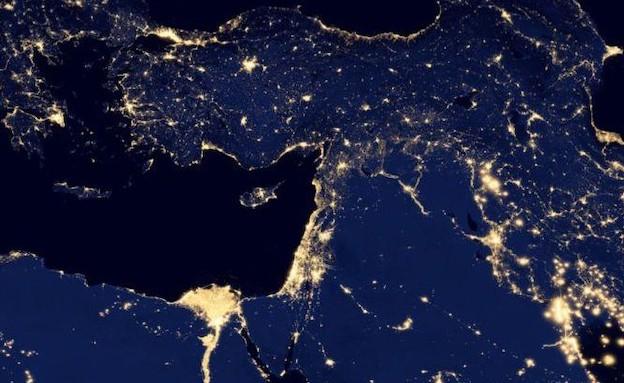 כדור הארץ בלילה ב-Google Maps