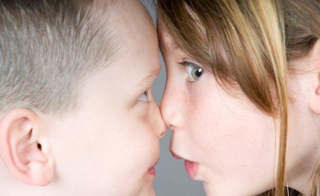 ילדה מאוהבת (צילום: אימג'בנק / Thinkstock)