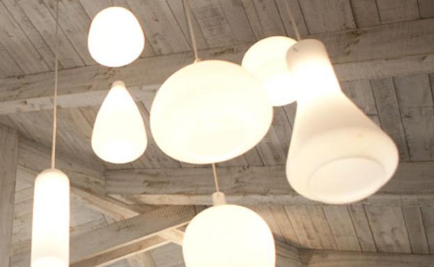 תאורה לבנה (צילום: עידו לביא והגר דופלט)