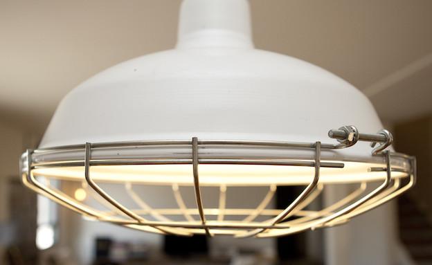 מנורת פינת אוכל (צילום: צילום: הגר דופלט)