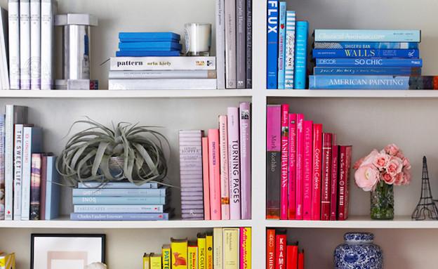 סידור לפי צבעים (צילום: מתוך dwellerswithoutdecorators.blogspot)