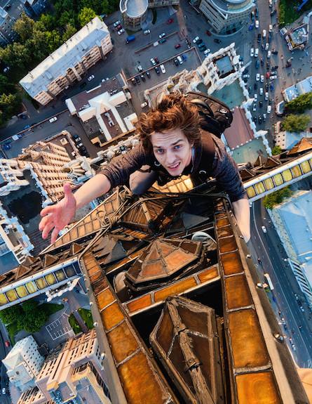 צלם בגובה (צילום: מהבלוג של ויטלי רסקלוב)