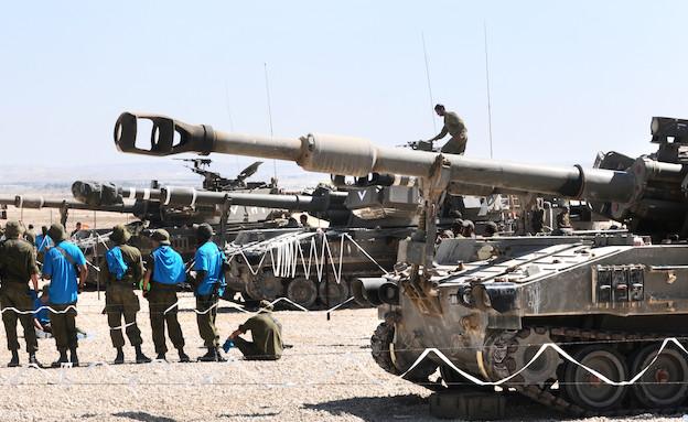 תותח וחיילים (צילום: שי לוי)