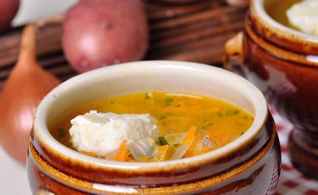 מרק תפוחי אדמה עם כופתאות גבינה (צילום: יפית בשבקין, אוכל טוב)