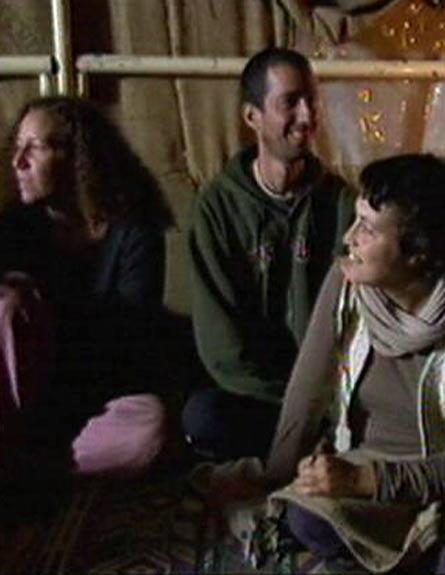 צפו: עלייתה ונפילתה של הקומונה בארסוף (צילום: חדשות 2)