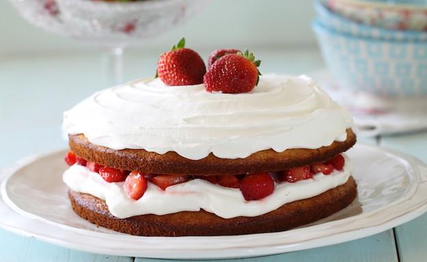 עוגת תותים וקצפת (צילום: חן שוקרון, אוכל טוב)