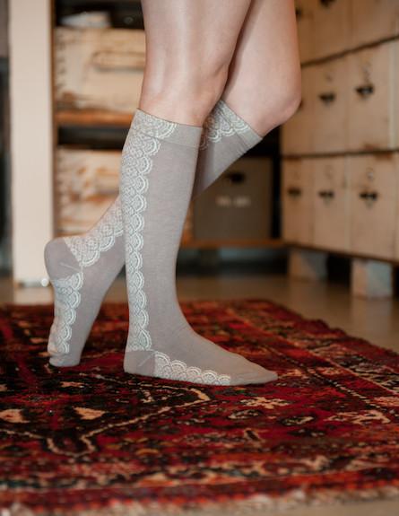 גרביים על הרגליים 3 (צילום: דנה ישראלי)
