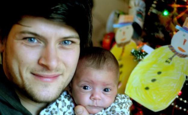 התינוקת ששוקלת פחות מפחית שימורים (צילום: צילום מסך daily mail)