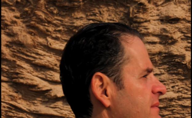תומר צימרמן – מובן מאליו (Robert Genillard (תמונת AVI: mako)