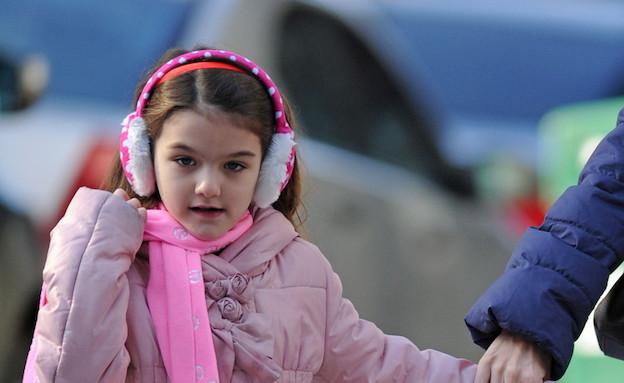 סורי קרוז במחממי אוזניים (צילום: Splash News, Splash news)