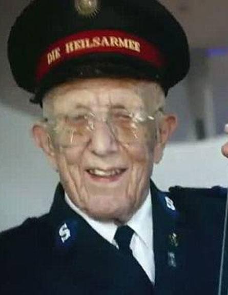 אמיל ראמסוור בן ה-94. שיא הזקנה (צילום: חדשות 2)