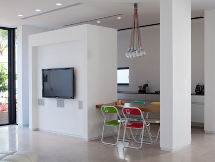 הרשאגה אדריכלים -פינת אוכל וטלוויזיה