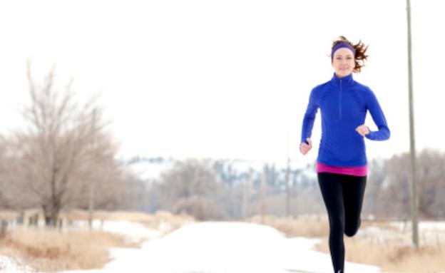 פעילות גופנית בחורף (צילום: Jordan Siemens, GettyImages IL)