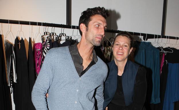 אריק בנאדו ואילנה ברקוביץ' פותחים חנות (צילום: ראובן שניידר )