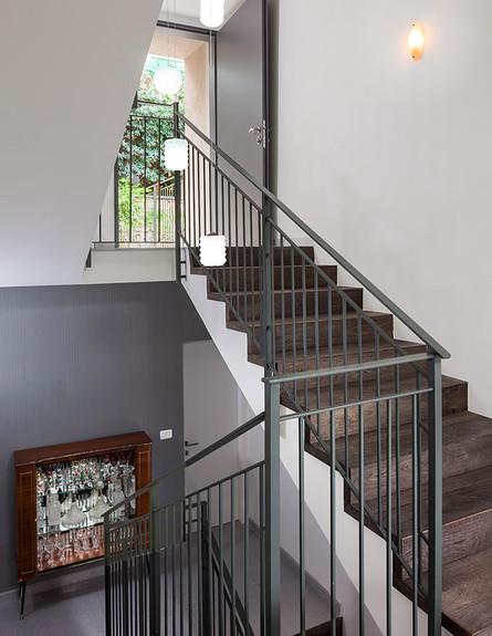 שרון אלה, מדרגות (צילום: שי אפשטיין)
