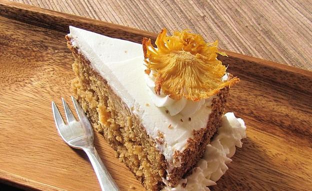 עוגת אננס וקצפת - פרוסה (צילום: דליה מאיר, קסמים מתוקים)