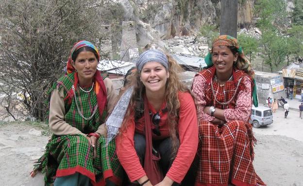 בתה של מיכל דליות בהודו (צילום: תומר ושחר צלמים)