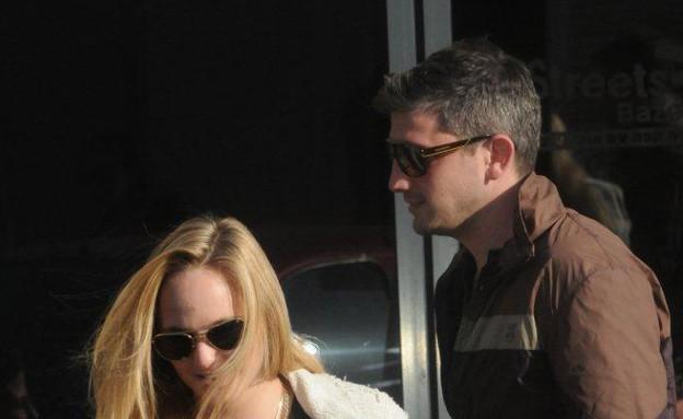רוני דואני ובעלה מסתובבים (צילום: ברק פכטר)