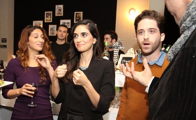 תום אבני ולירז צ'רכי חוגגים עם הטבעת באירוע (צילום: מאיר אבן חיים)