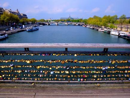 גשר בפריז