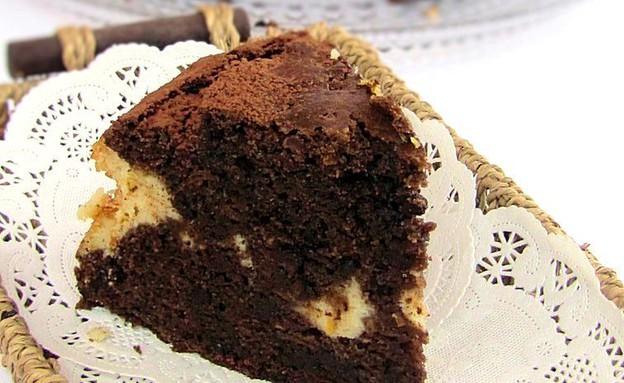 עוגת שוקולד גזר במילוי גבינה (צילום: דליה מאיר, קסמים מתוקים)