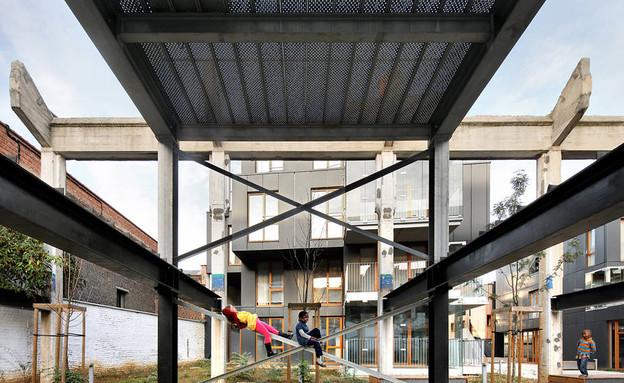 מפעל, חצר פנימית (צילום: מתוך האתר www.mdw-architecture.com)