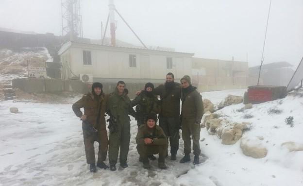 חיילי הנדסה בשלג (צילום: ולדי גורבן)