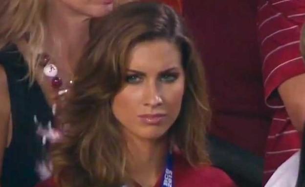 קתרין ווב, החברה של שחקן הפוטבול שהסעירה את הרשת (צילום: טוויטר)