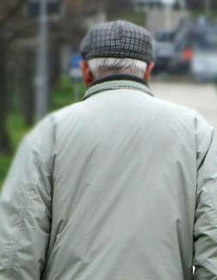קשישה מתה מחבלה, בעלה במצב קשה (צילום: AP)