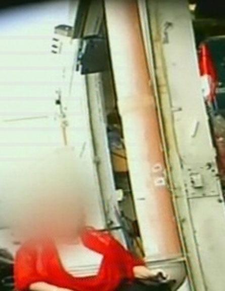 התחקיר שהוביל לחקירת משטרה. צפו בדיווח (צילום: חדשות 2)