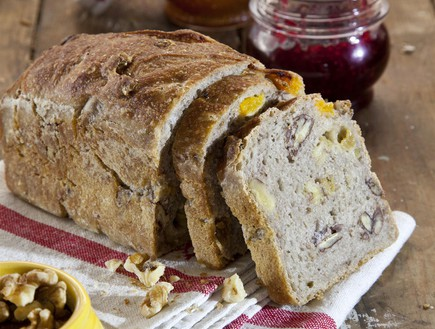 לחם פירות יבשים