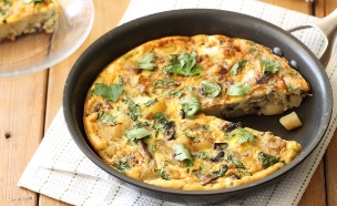 פריטטה תפוחי אדמה ופטריות (צילום: חן שוקרון, אוכל טוב)