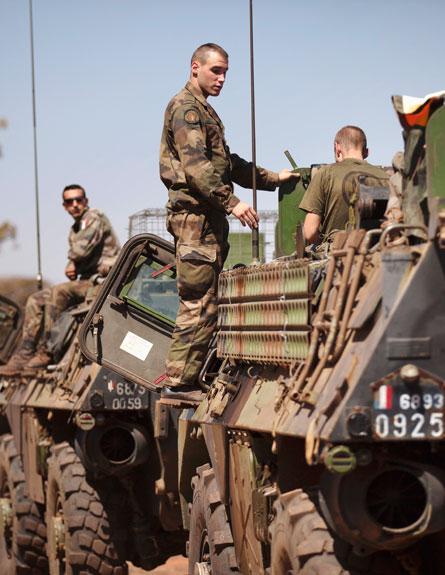 לוחמים במאלי (צילום: רויטרס)