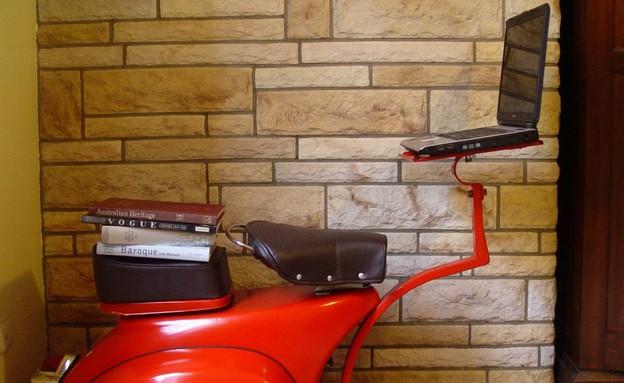 מחזור וספה אדומה (צילום: reinventingwheels.blogspot)