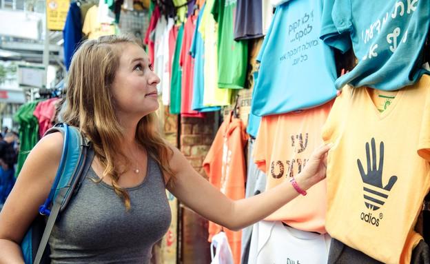 דוכן חולצות, תיירת מלוס אנגלס (צילום: אור קפלן)