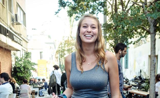 מישל ברחובות תל אביב, תיירת מלוס אנגלס (צילום: אור קפלן)