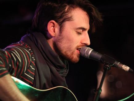 דוד לביא בהופעה (צילום: אורית פניני)
