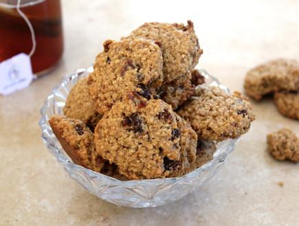 עוגיות קוואקר וצימוקים (צילום: אסתי רותם, אוכל טוב)